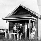 Frank Berry with the O'Neill's at 512 E Street, Anchorage, 1923.
