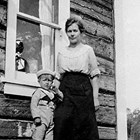 Ida Ohls with son Andrew, 1923.